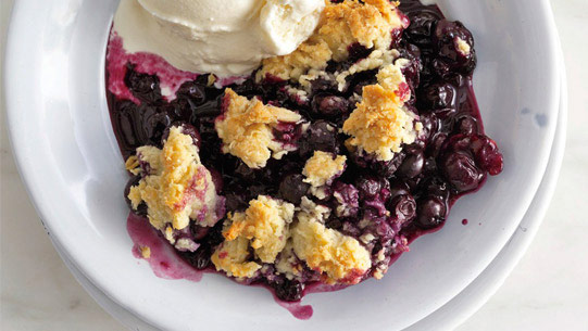 Blueberry–drop biscuit cobbler